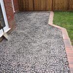 Permeable gravel retention paving