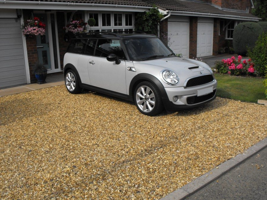 Domestic Driveway 40sqm Green X-Grid Case Study Featured Image