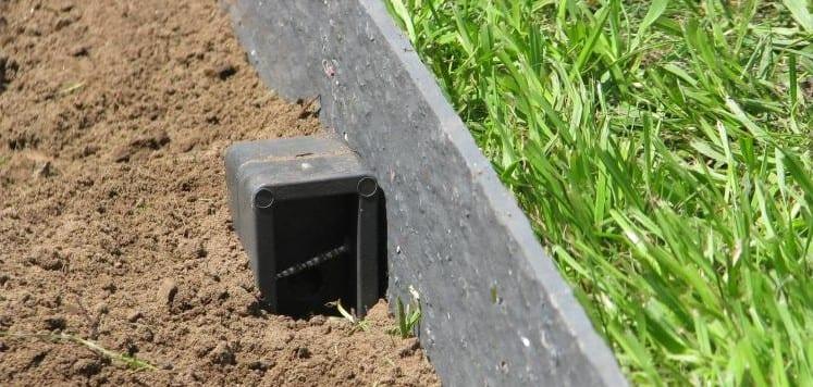 EcoPic Garnded Stake with Ecolat Garden Edging